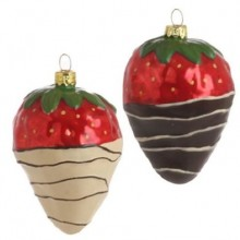 Chocolate Dipped Strawberry Christmas Ornaments