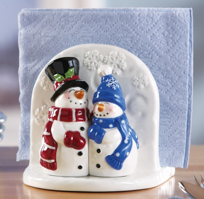 Snow Couple Holiday Salt & Pepper Accessory Set