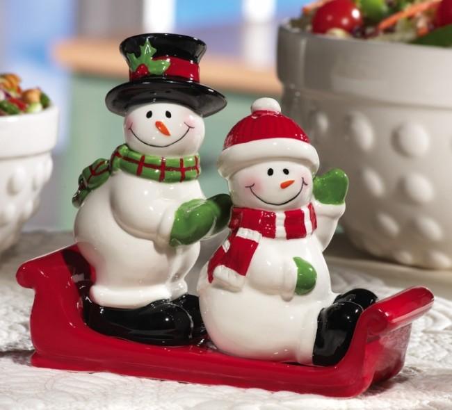 Snowmen Holiday Ceramic Salt & Pepper Shaker Set