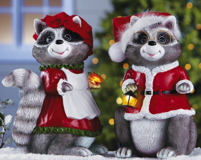 Lovable Santa Raccoons Christmas Decorations