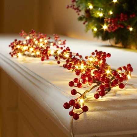 5 Corded Pre-lit Berry Garland