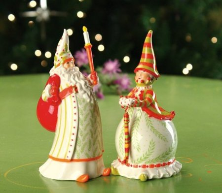 Santa and Mrs Claus Salt and Pepper Shakers