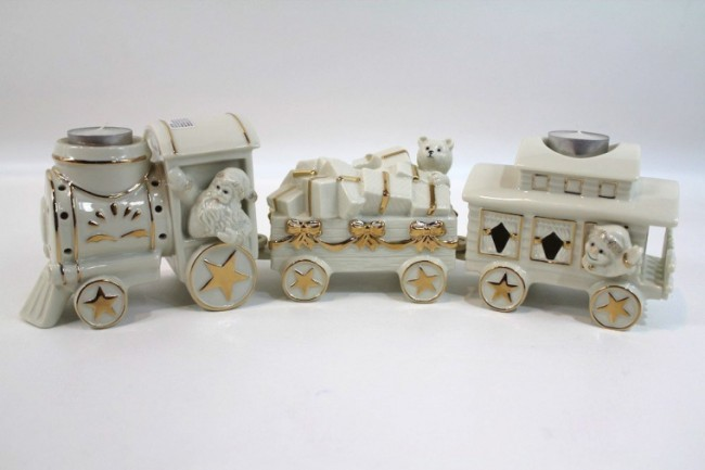 Elegant 3 Piece Train Votive Set