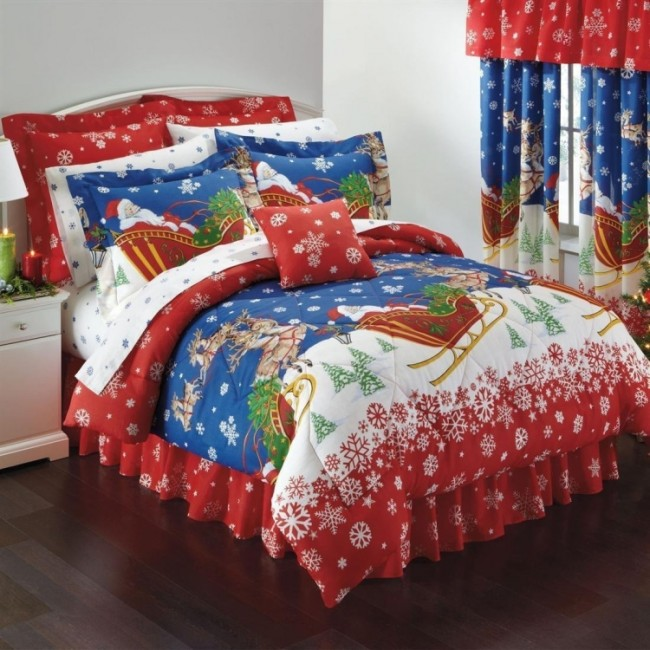 Santa Claus  Reindeer Christmas Themed Queen Comforter Set