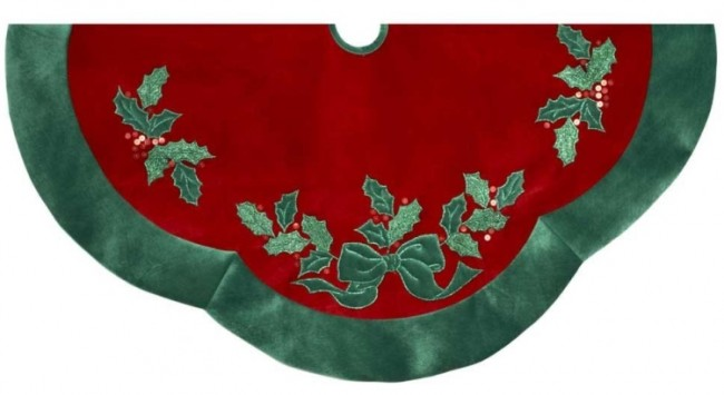 Velvet Red with Green Leaves Applique Treeskirt