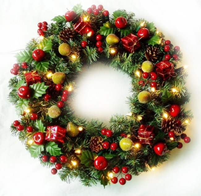 Christmas Cordless 70 Led Lights Fruitful Wreath