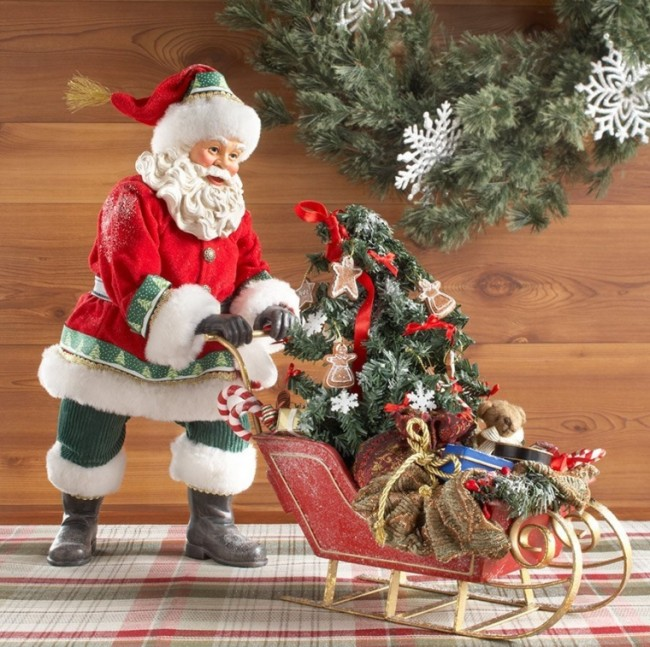 Santas Winter Wonderland Santa Figurine