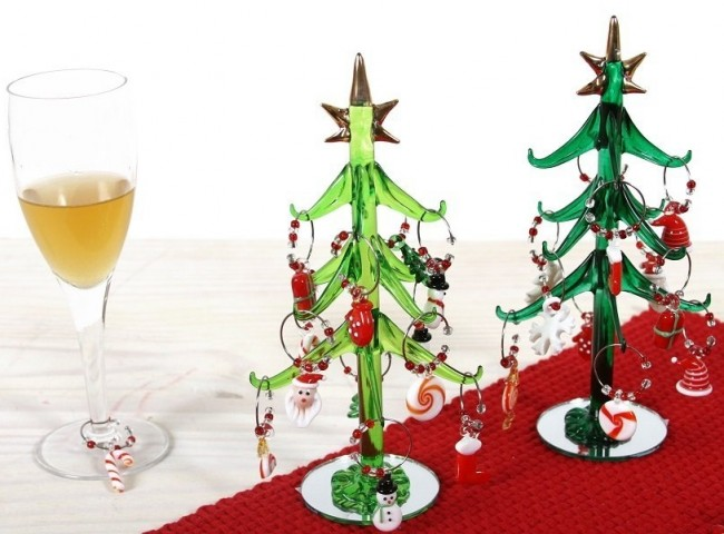 Christmas Morning Art Glass Tree & 10 Piece Wine Charm Set 8h