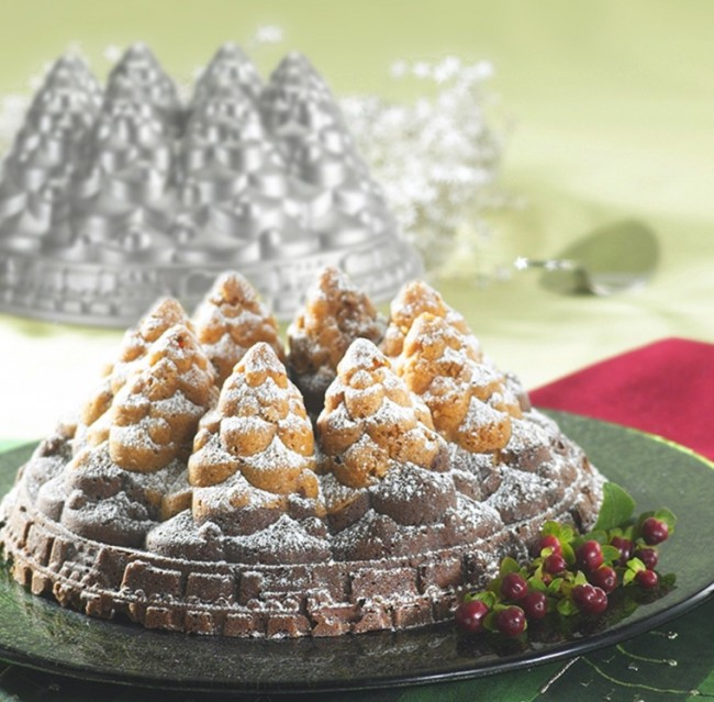 Nordic Ware Holiday Bundt Tree Pan