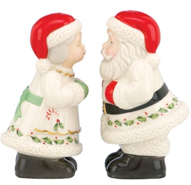 Santa & Mrs. Claus Salt & Pepper Shaker Set