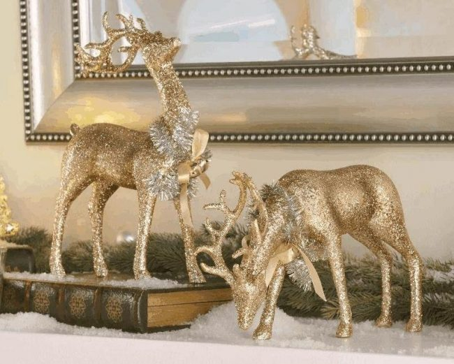 champagne-glitter-deer-figurines