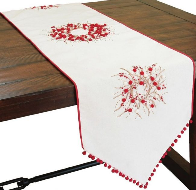 christmas-table-runner