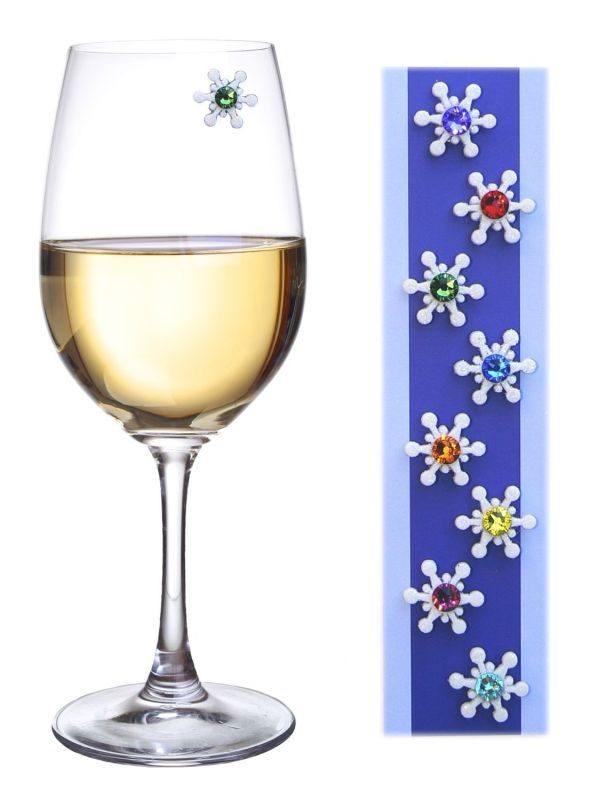 crystal-snowflake-magnetic-wine-glass-charms-markers