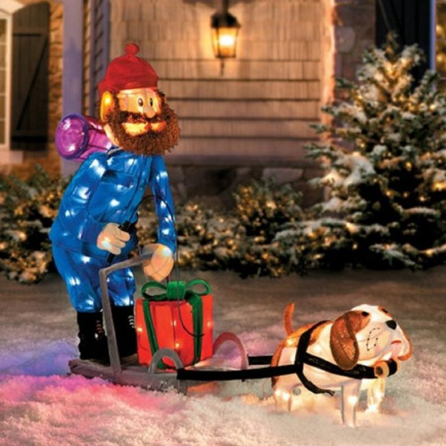 dog-sleigh-scene-outdoor-tinsel-decoration