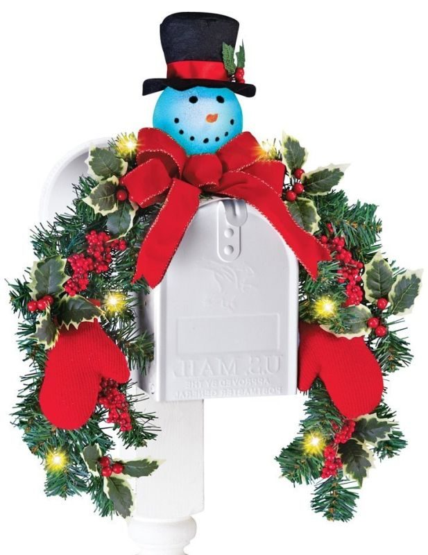 lighted-snowman-mailbox-evergreen-swag