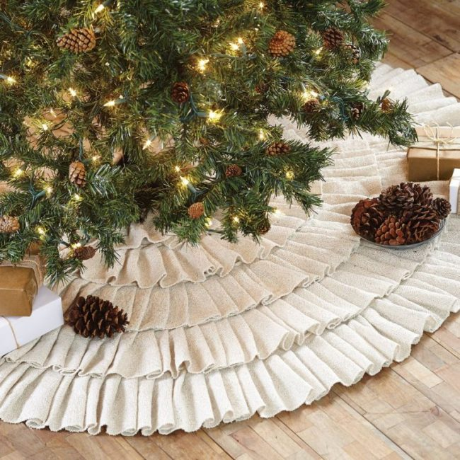 ruffle-christmas-tree-skirt-50