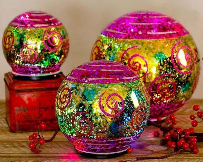 lighted-fuchsia-led-christmas-balls