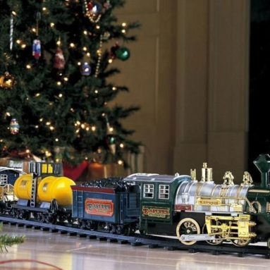 Train Set Wrap around Christmas Tree Holiday & Seasonal Home Décor