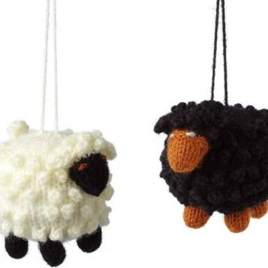 BLACK SHEEP VS. WHITE SHEEP ORNAMENTS